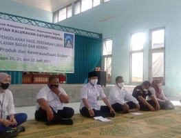 KWT Caturtunggal Dibekali Pelatihan Pengolahan Hasil Pertanian Lokal dan Kewirausahaan Online