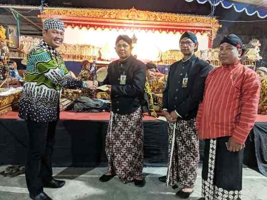 Pagelaran Wayang Kulit Ki Anom Sardiono Semarakkan Merti Dusun Saparan Padukuhan Papringan Demangan Baru RW.047 Caturtunggal